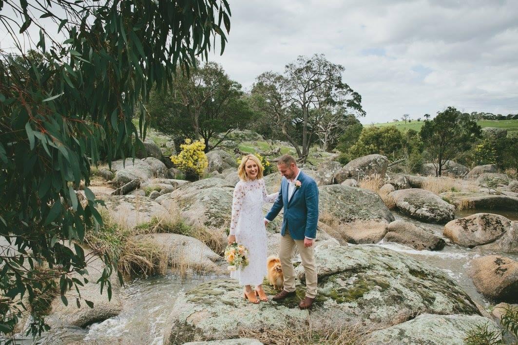 Country destination wedding outside Melbourne, Mimosa Glen