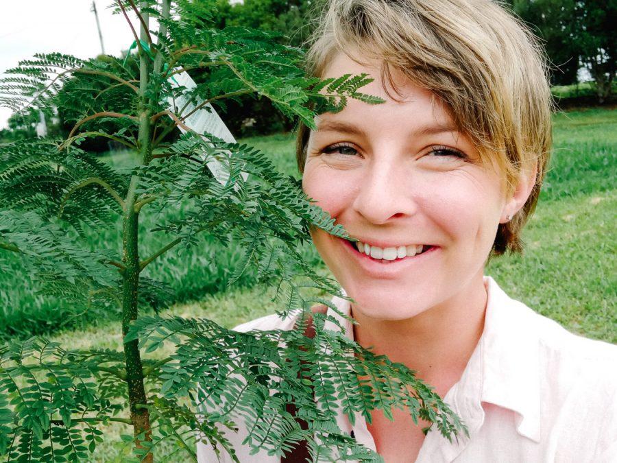 Yolande the tree-loving love-loving marriage celebrant | Far North QLD