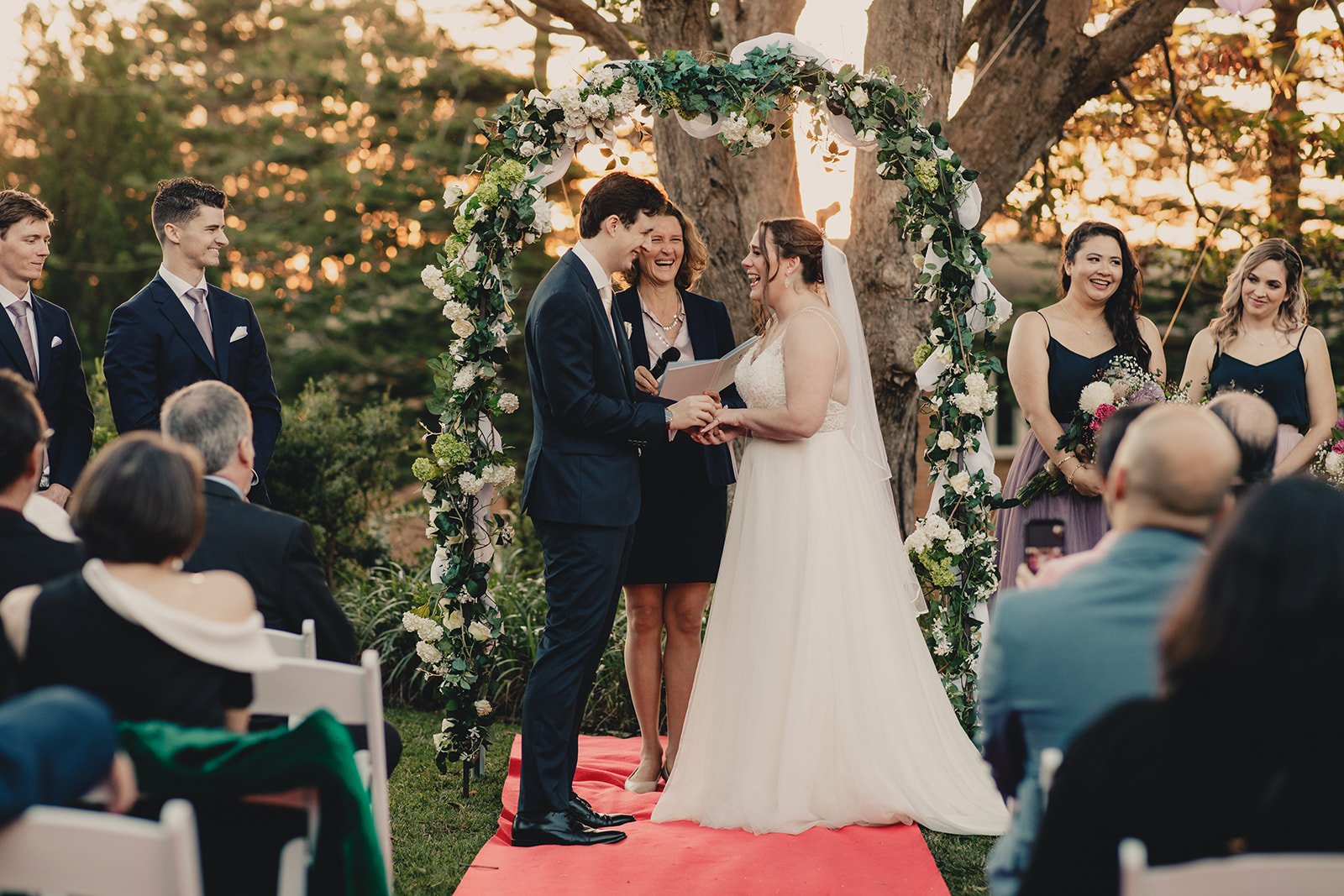 Sydney wedding celebrant - relaxed and personal wedding ceremonies